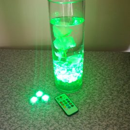 Submersible LED tea light with remote